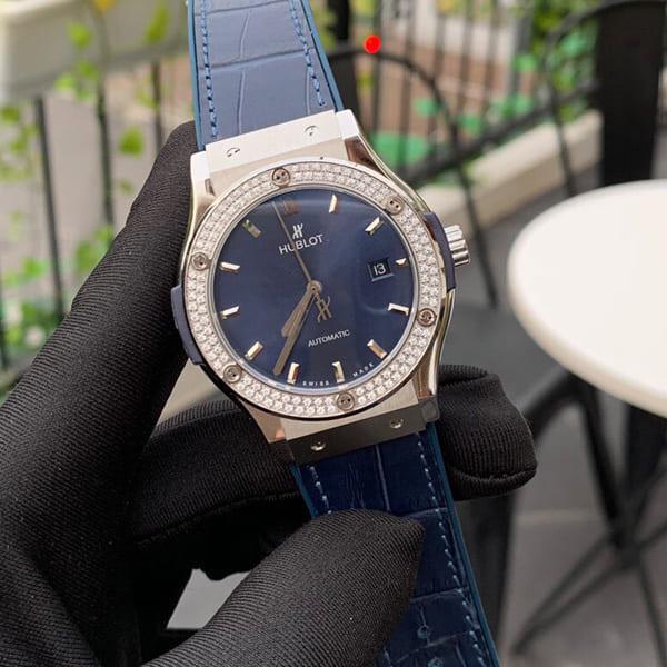 Đồng Hồ Hublot Replica 1:1 Classic Fusion Blue Titanium Diamonds